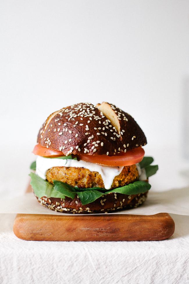 cajun chickpea burger_-39