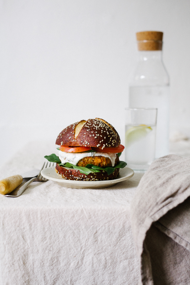cajun chickpea burger_-41
