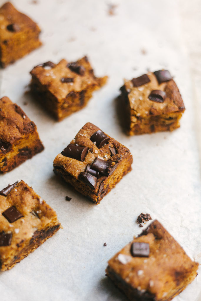 SALTED MISO CHOCOLATE CHUNK COOKIE BARS