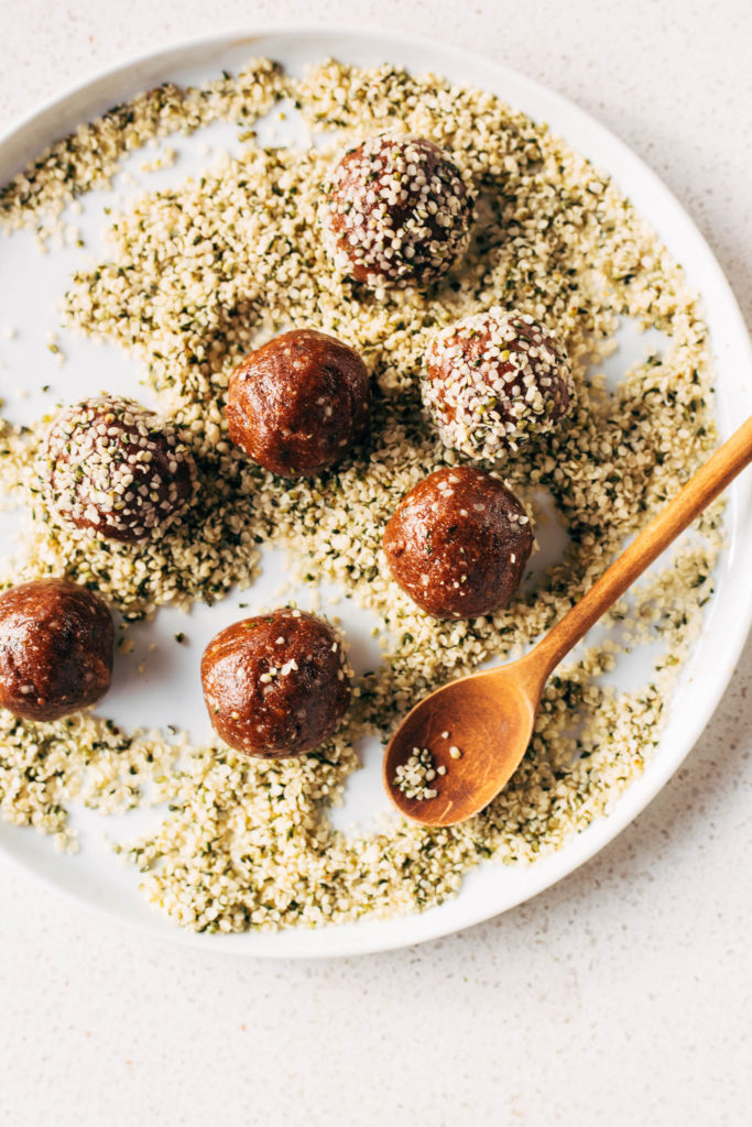 Prebiotic Bliss Balls for a happy tummy and good gut health