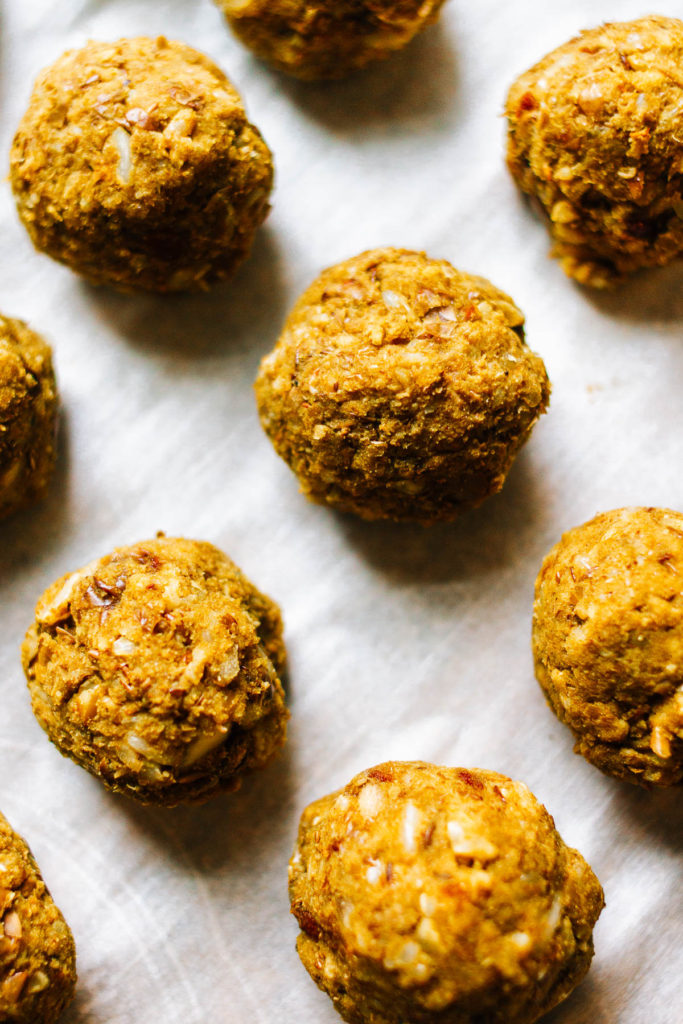 How to make a vegan and gluten free meatball with rice and lentil.