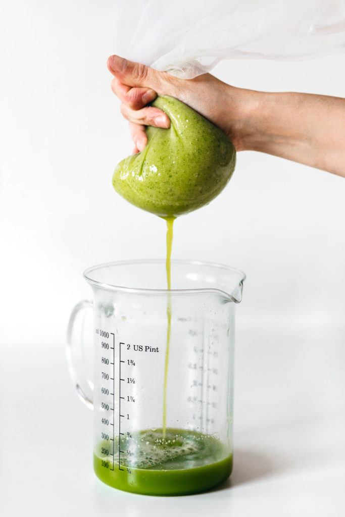 How to make green juice in a vitamix